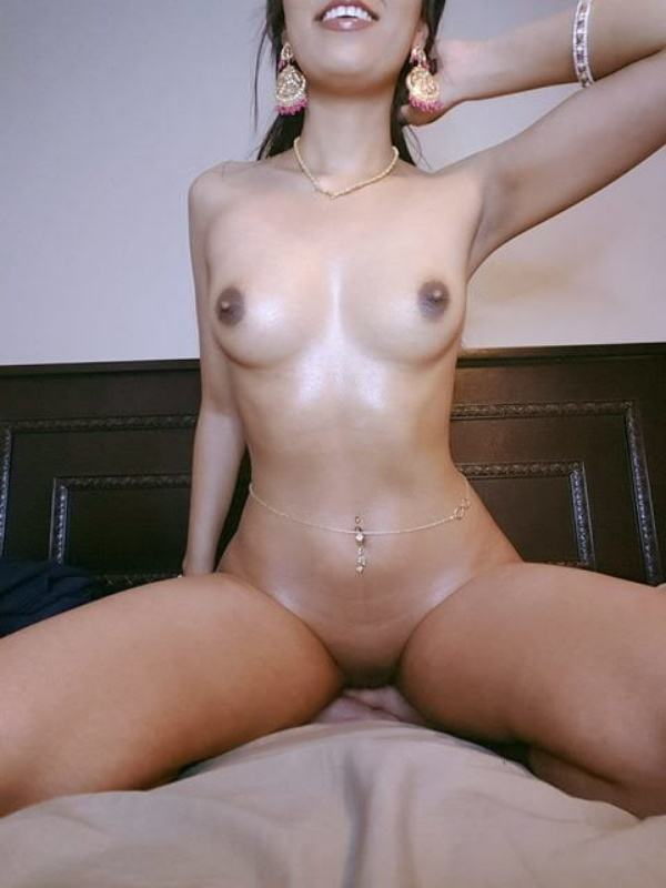 scandalous indian girlfriend nude pics leaked - 17