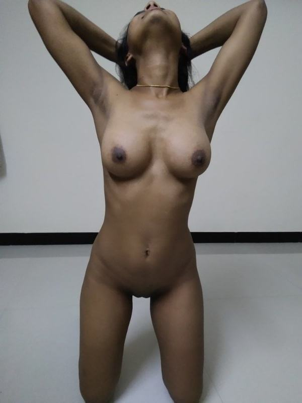 scandalous indian girlfriend nude pics leaked - 6