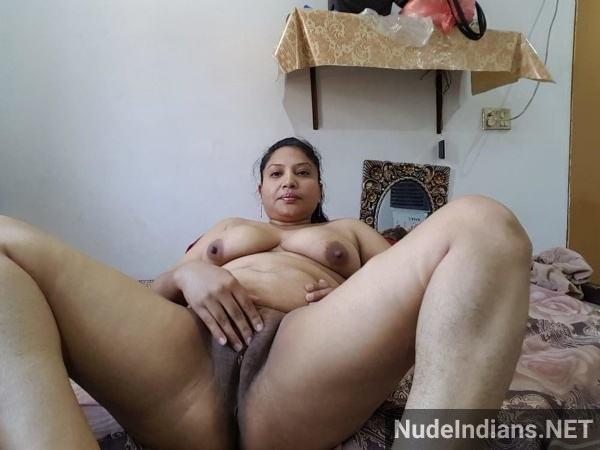 desi aunty xxx pics badi gaand big boobs images - 2