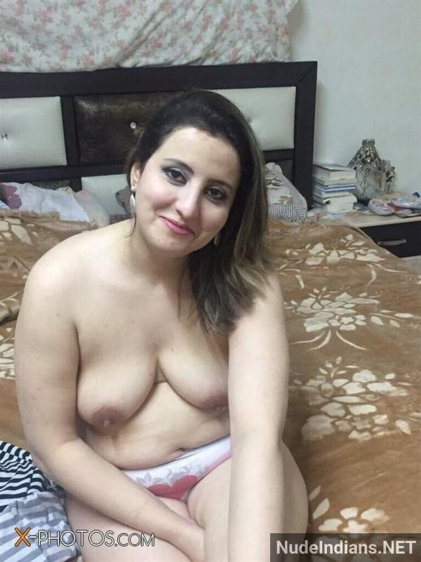 desi aunty xxx pics badi gaand big boobs images - 30