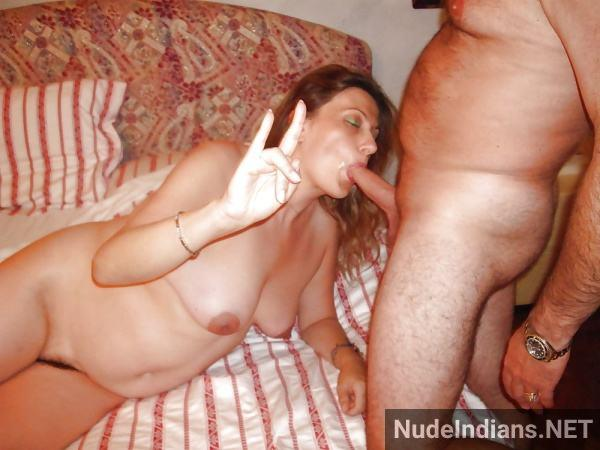 indian blow job photo desi women sucking cock pics - 22