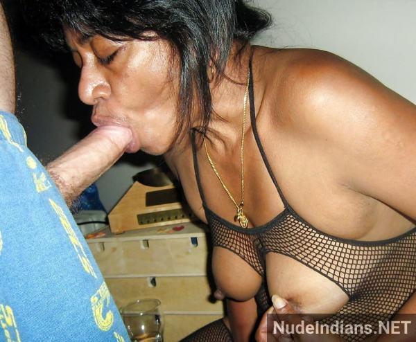 indian blow job photo desi women sucking cock pics - 36