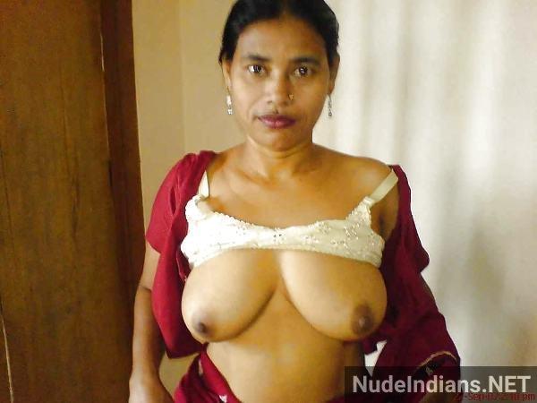indian milf aunty boobs pic desi big tits pics - 4