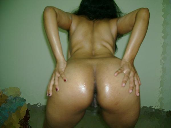 leaked sexy desi nude bhabhi pics by husband - 2