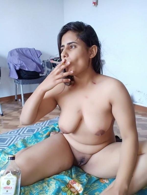 leaked sexy desi nude bhabhi pics by husband - 22