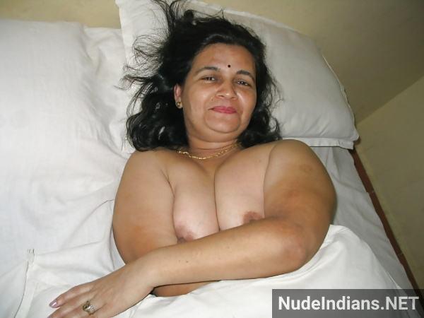mature bengali indian aunty nude pics big boobs ass - 2
