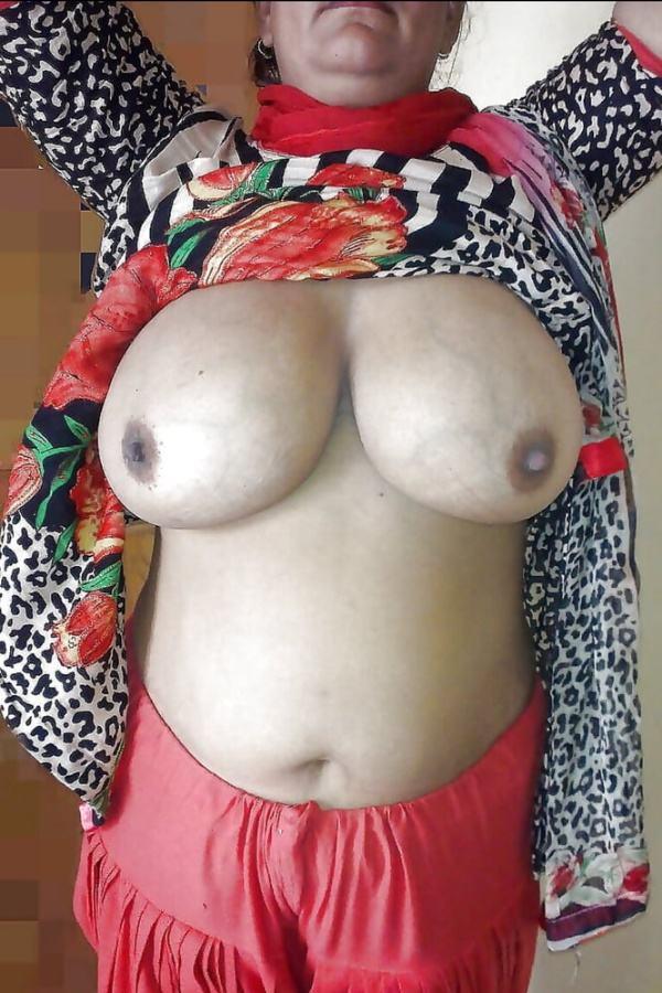 naughty desi aunty boobs image xxx hot big tits - 50