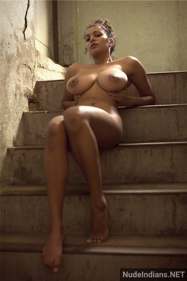 nri model sexy boob image desi big tits photos - 26