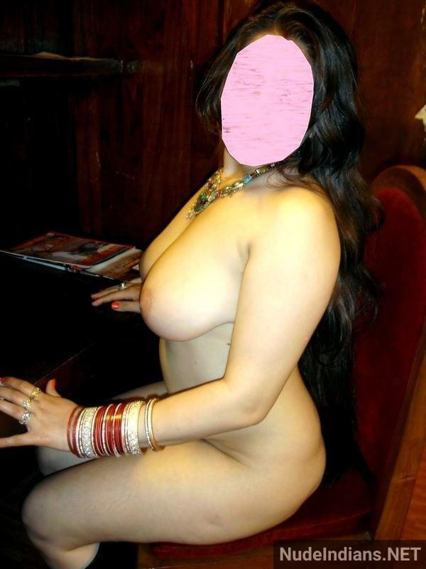 big indian boobs images cheating wife teasing lover - 21
