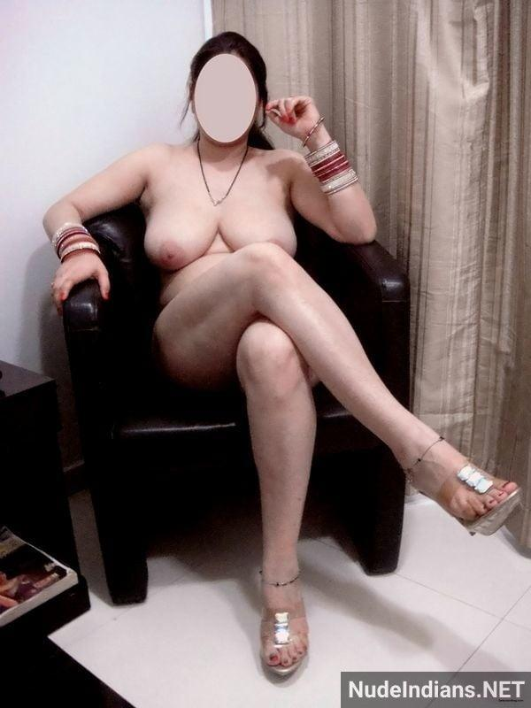 big indian boobs images cheating wife teasing lover - 24