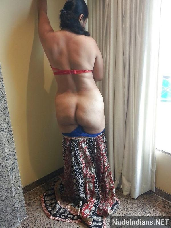 desi nude mature aunty big booty tits pics xxx - 12