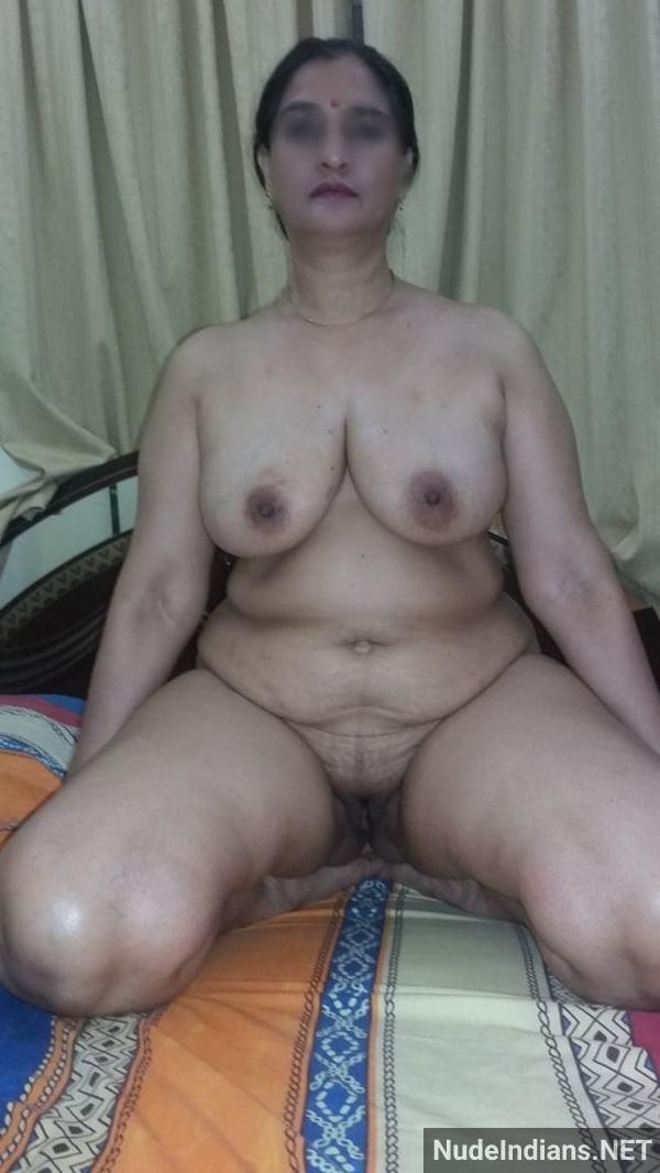 desi nude mature aunty big booty tits pics xxx - 33