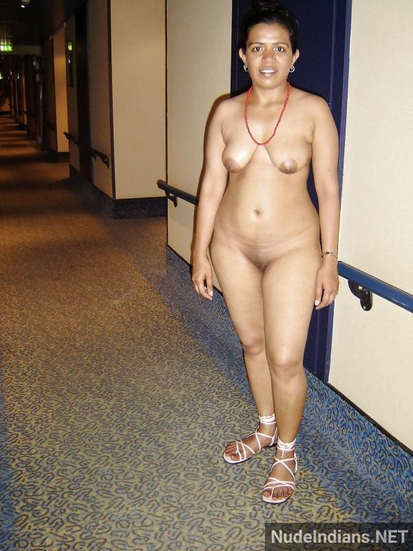 indian aunty nude pic revathi affair with boss pics - 87