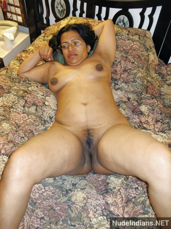 busty big ass desi aunty porn pics mature xxx - 2