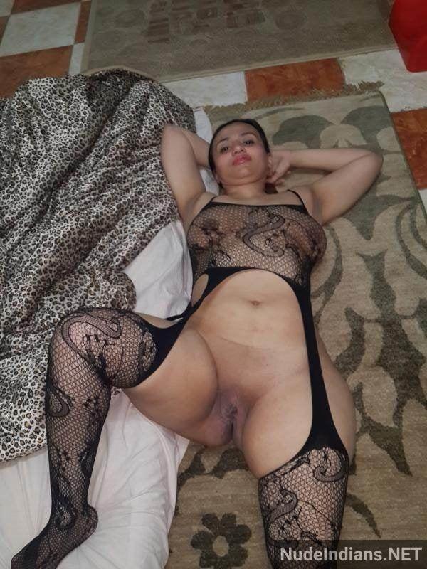 indian sexy bhabhi nude ass big boobs hd pics xxx - 1