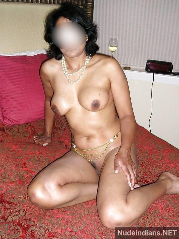 big boobs aunty photos hd indian busty women pics - 8