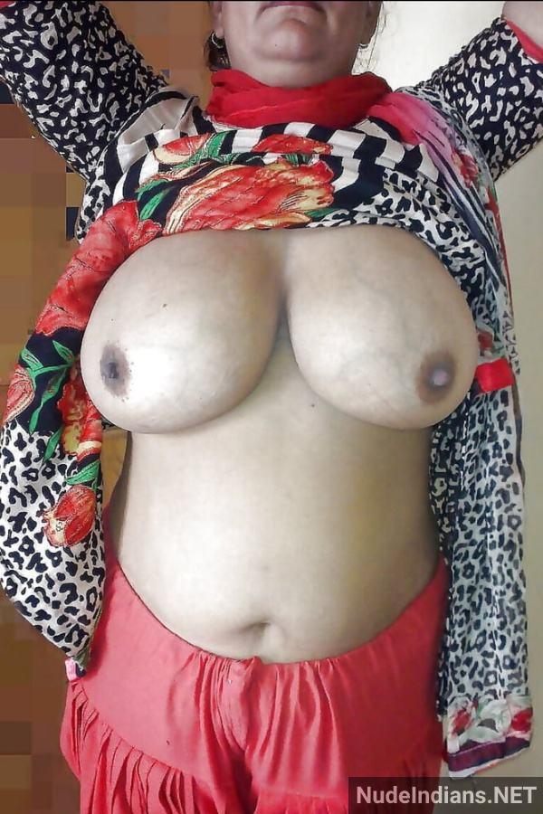 nude indian aunty porn pics desi big boobs xxx - 2