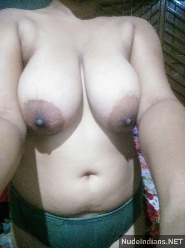 sexy bhabhi boobs photo hd nude wife tits pics - 19
