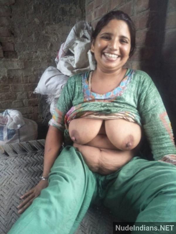 sexy desi aunty nude pic hd village boobs booty - 14