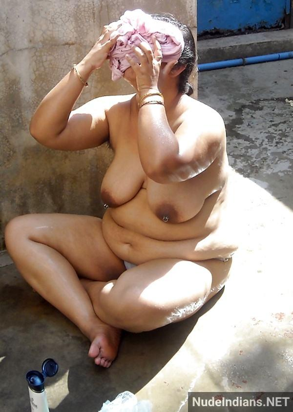 sexy desi aunty nude pic hd village boobs booty - 9